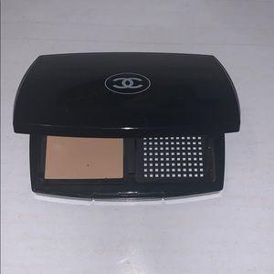 Chanel powder makeup 60 beige